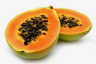 Papaya çiğ olarak yenebildiği gibi pişirilerekte yenebilir. Özellikle olgunlaşmamış meyveler zararlı etkilerinin önlemesi için pişirilerek yenmektedir.
